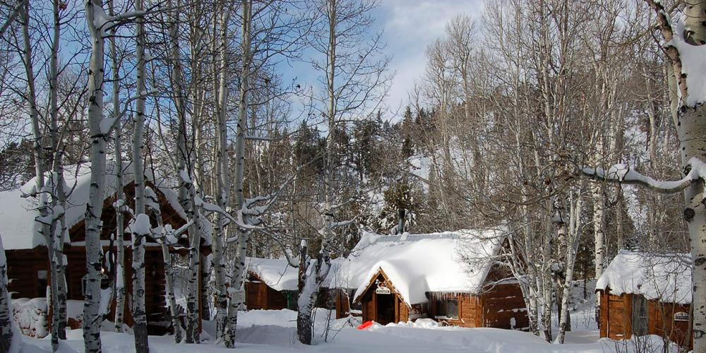 9 cozy winter cabins & lodges