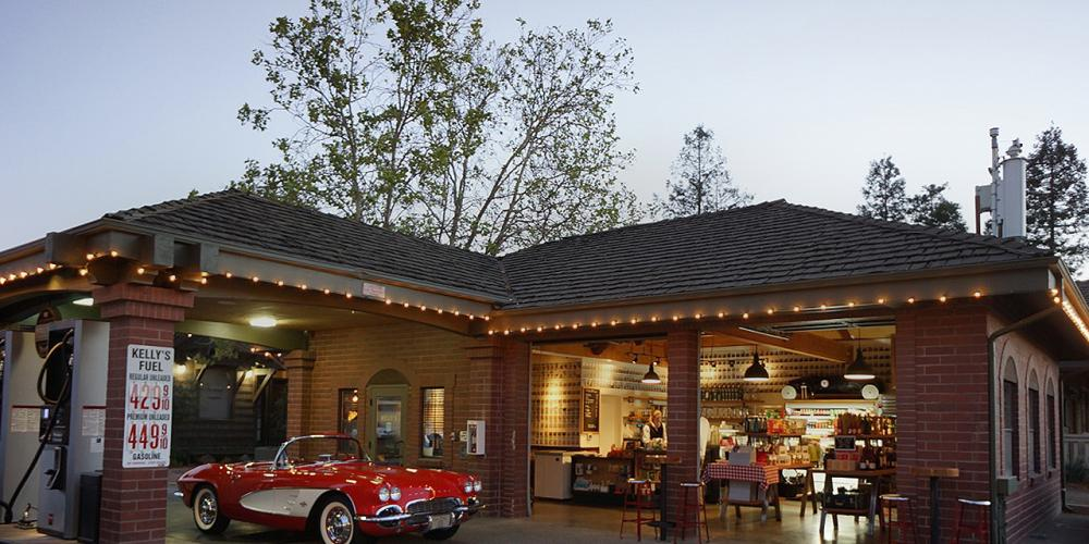 9 California Gas Stations for Foodies