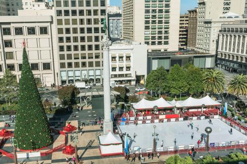 Cool Outdoor California Ice Rinks